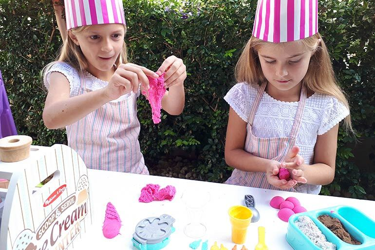 Kinetic sand ice cream review